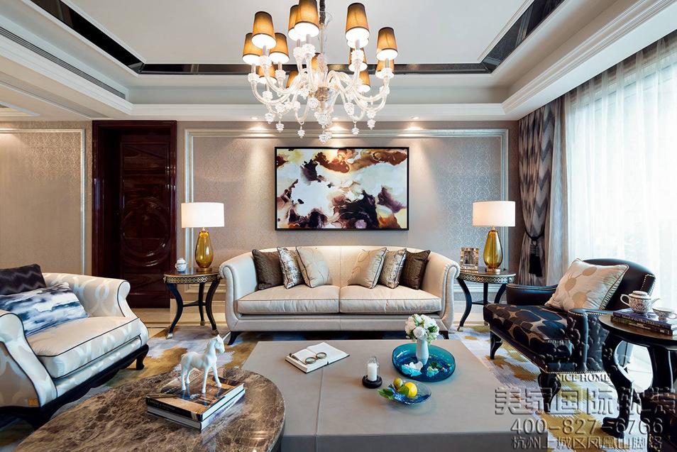 美式輕奢風格客廳軟裝